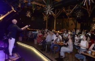 Ahmet Evan, Letafet Lounge misafirlerini müziğiyle...