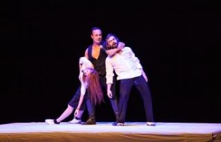 Kıbrıs Tiyatro Festivali'nde Moda Sahnesi tarafından...