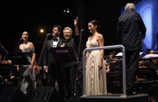Zülfü Livaneli yıllar sonra Hatay'da konser verdi