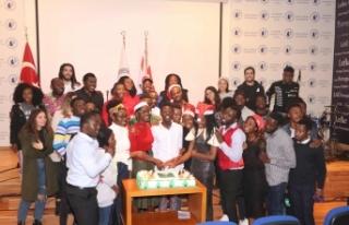 LAÜ öğrencileri Christmas'ı kutladı