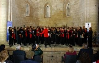 Otello ve Derinya koroları yeni yıl konseri gerçekleştirdi