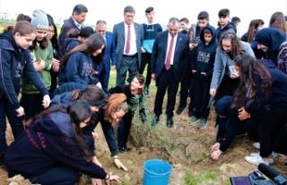 Bakan Çavuşoğlu, Hala Sultan İlahiyat Kolejinde...