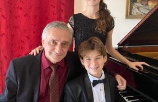 Piyanistler Pelin Ece Acar ve Can Sakkaoğlu ülkeyi...