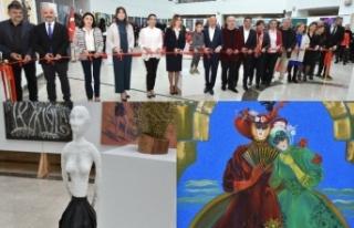 """Ödüllü 60 sanatçının 90 eserinden oluşan """"Kadın""""..."""