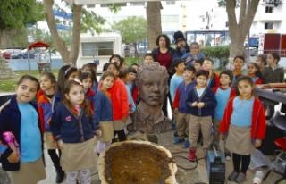 Öğrenciler 4'üncü Sanat Festivali kapsamında,...