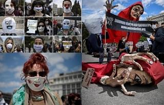 Yunanistan'da iş yapamaz hale gelen sanatçılar...