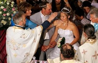 Güney'de düğünlere kontrollü açılım