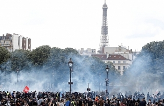 Paris karıştı