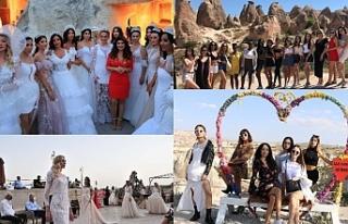 Dünyanın çeşitli ülkelerinden gelen modeller,...