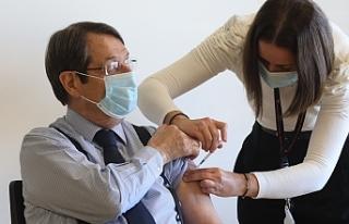 Anastasiadis'e Covid-19 aşısının ikinci dozu...