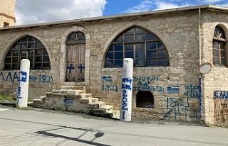 Güney Kıbrıs'ta camiye saldırı
