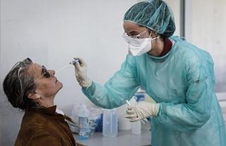 Güney Kıbrıs'ta 133 bin kişi aşılandı