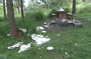 Piknik alanı yine çöplüğe döndü
