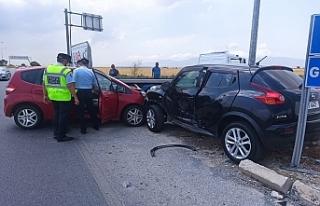İnönü kavşağında kaza