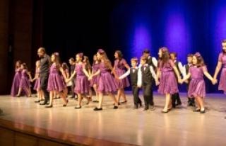 Ada Işığı Çocuk  Korosu konser verdi