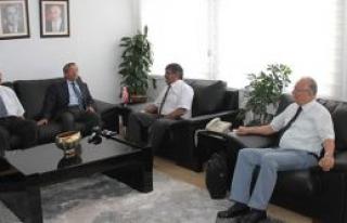Ahmet Kaşif, Girne Üniversitesi yetkililerini kabul...