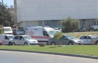 Ambulans rehin kaldı