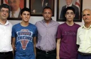 Başarılı satranççılar, Spor Dairesi'ni ziyaret...