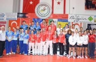 Bosna Hersek ve Türkiye şampiyon