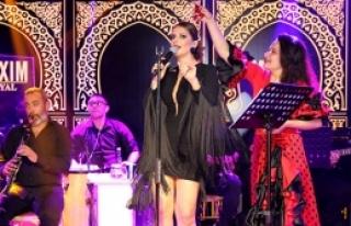 Gökçe Kırgız'dan  muhteşem konser