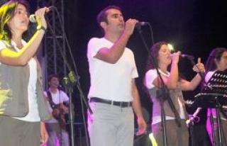 Grup Yorum Mehmetçik'te