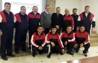 Güreş hakemlerimiz Trabzon'da bilgi tazeledi
