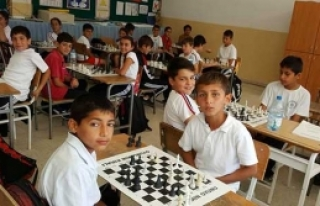 Karşıyaka'da satranç şöleni