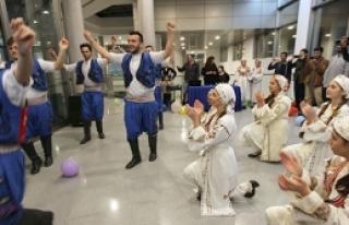 LAÜ'nün öğrencilerine Kıbrıs kültürü tanıtıldı...