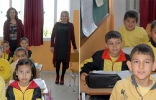 Öğrencileri geleceğe hazırlıyor