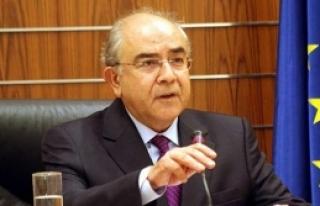 Omiru:Kıbrıs sorunu dualarla çözülemez