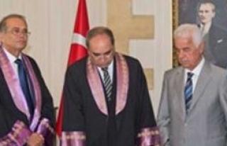 Öneri, Cumhurbaşkanı Eroğlu huzurunda yemin etti
