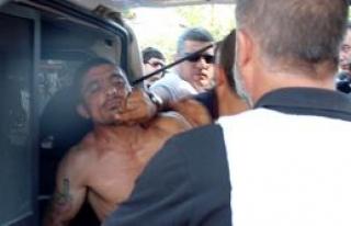 Polisi bacağından vurdu