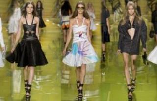 Versace'den görkemli  defile