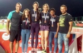 YDÜ Atletizm Bayan Takımı Türkiye Üçüncüsü