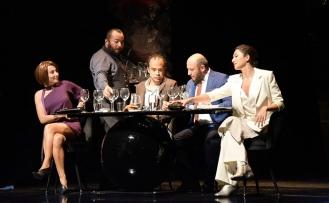 Kıbrıs Tiyatro Festivali, kapsamında Akşam Yemeği oyunu sahnelendi