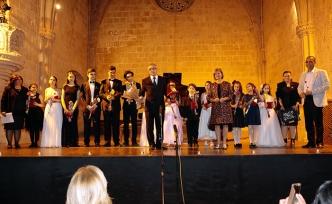 Genç piyanistlerin performansları beğeni topladı