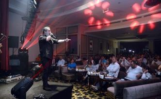Muhteşem eğlenceli Cumartesi geceleri Letafet Bar'da hız kesmeden devam ediyor