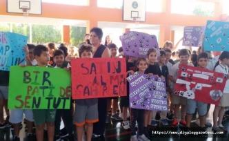 Doğu Akdeniz Doğa öğrencileri Hayvan Hakları Günü dolayısıyla etkinlik düzenledi