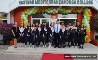 Doğa Koleji öğrencilerine Muhteşem mezuniyet töreni