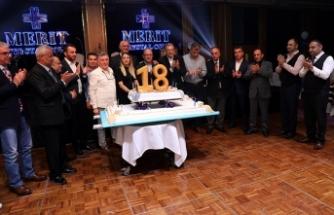 Merit'te 18. Yıl pastası kesildi