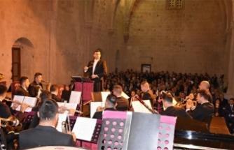 Bellapais İlkbahar Müzik Festivalinin açılış konserini Güvenlik Kuvvetleri Bandosu gerçekleştirdi