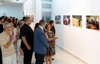Duyal Tüzün ve Gökhan Gökberk'in fotoğraflarının yer aldığı serginin açılışını, Meral Akıncı yaptı