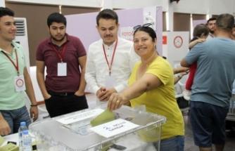 Oy verme işlemi bugün sona eriyor