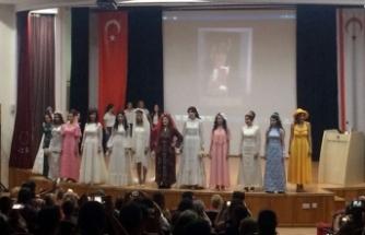 YDÜ'de ''Geçmişten Günümüze Kıbrıs Türk Düğün Kültürü'' sergilendi