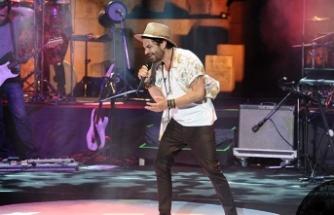 Kenan Doğulu'dan Ege'nin incisi Bodrum'da muhteşem konser