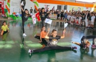 Doğu Akdeniz Doğa Koleji anaokulu ve ilkokulu öğrencilerinin heyecanlarına velileri de ortak oldu