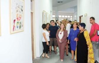 Dünya Ruh Sağlığı Günü'nde 'Üreten Eller' sergisi açıldı