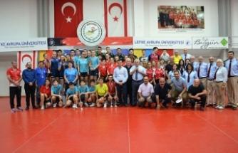 Türkiye ve Romanya şampiyon