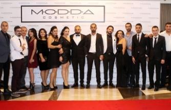 Kuaför ve güzellik salonu sahipleri ile çalışanlarına özel gala gecesi düzenlendi
