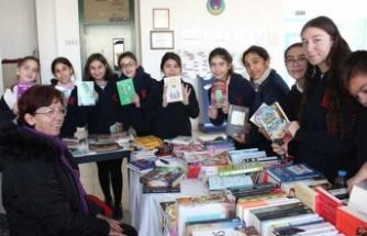 TED Koleji Türk Dili ve Edebiyatı Zümresi Kitap Günü etkinliği düzenledi